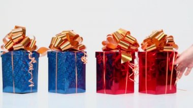 Red and blue gift boxes — Stock Video