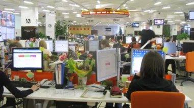 Journalists working at RIA Novosti — Stock Video
