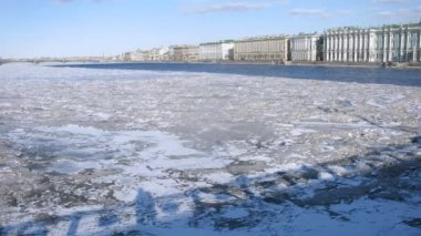 Winter palace with Neva river — Stock Video