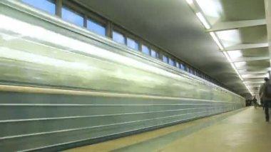 People in Vorobievy Metro Station — Stock Video