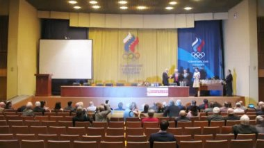 Awarding ceremony for olympic sportives — Stock Video