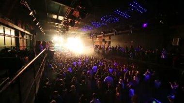 People on concert of Arash on stage — Стоковое видео