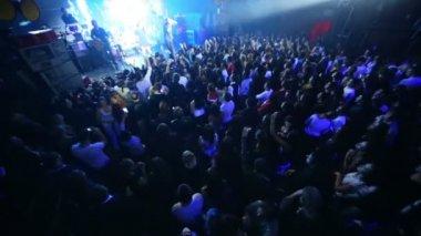 Spectators on concert of Arash on stage — Stock Video