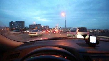 Evening city roads — Vídeo de Stock