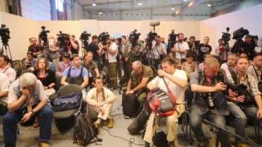Journalists at Second International Forum — Stock Video