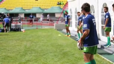 Rugby player kicks ball — Stock Video