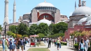 People walk near Hagia Sophia — Stock Video
