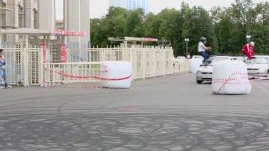 Stunt performance of team Avtorodeo — Stock Video
