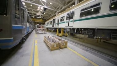 New trains at assemblage in Mytishchi factory — Stock Video
