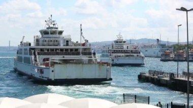 Ferries sail in Istanbul, Turkey — Stock Video