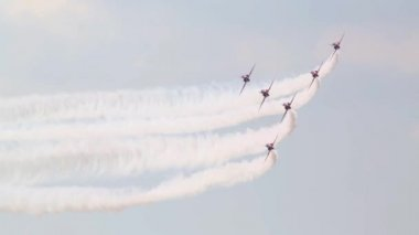 Altı kırmızı T-1 Hawk uçak — Stok video