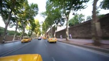 Yellow taxis on road in Istanbul — Stock Video