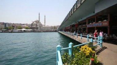 Restaurants near water in Istanbul, Turkey — Stock Video