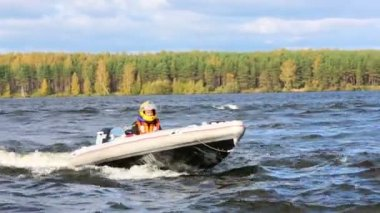 Sport boat float on river — Stock Video