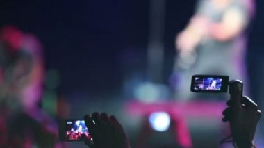 Spectators rec phone rock concert — Stock Video