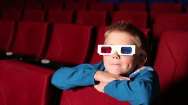 Little boy in 3D glasses in cinema — Stock Video