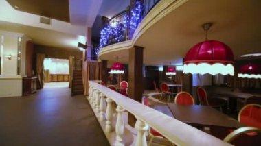 Panorama z pusta sala w restauracji — Wideo stockowe