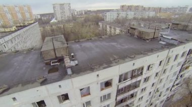 Block of abandoned dwelling houses in Moscow — Stock Video