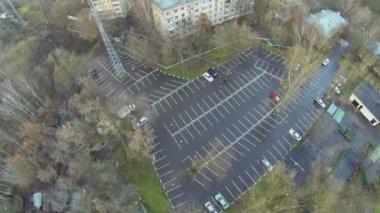 Car parking near dwelling houses — Stock Video