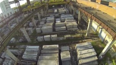 Top view of warehouse with construction materials, shaky clip — Stock Video