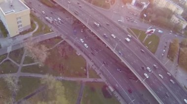 Traffic on highway near alley of cosmonauts — Stockvideo