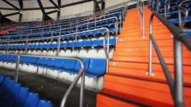 Лестницы на футбольном стадионе — Стоковое видео