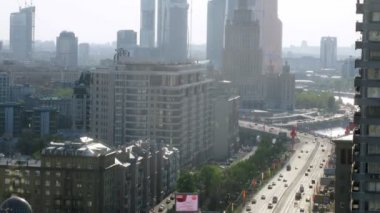 Aerial view of traffic on New Arbat — ストックビデオ