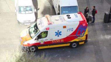 Ambulance car rides — Stock Video