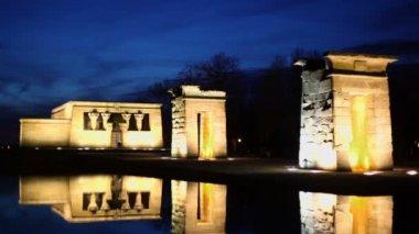 Temple of Debod  with illumination. — Stock Video