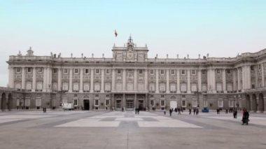 Дворец испанских королей в Мадриде — Стоковое видео