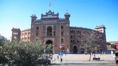 Famous bullfighting arena Plaza del Toros Madrid — Stock Video