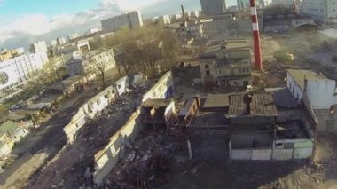 Dismantling  of dilapidated buildings — Стоковое видео