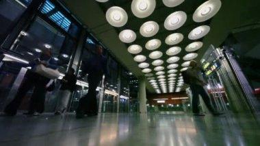 Passengers walk  in hall of Airport — Stock Video