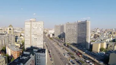 Day traffic on  New Arbat — Stockvideo