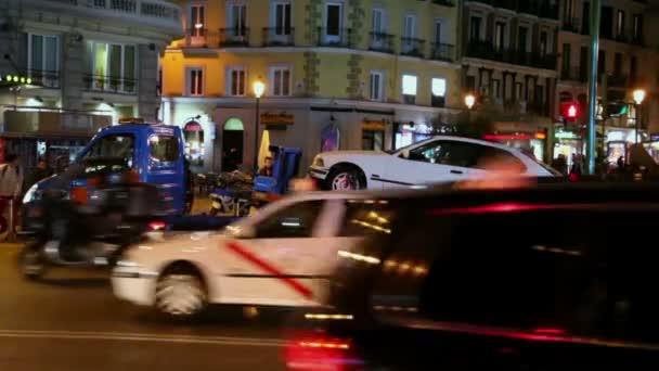 Breakdown service works among traffic — Vidéo