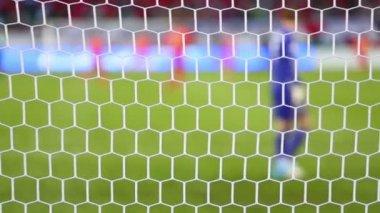 Fotboll rutnät, baksidan av målvakten — Stockvideo