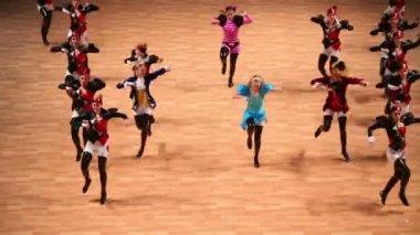 Girls dance on World championship — Stock Video
