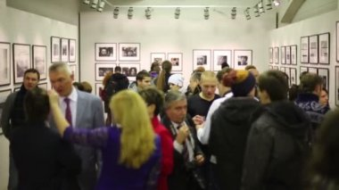 People in exhibition Silver Camera — Stock Video