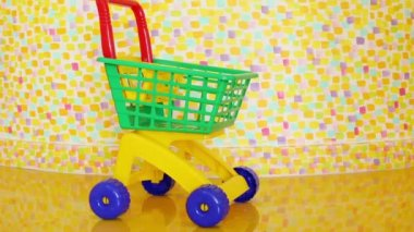 Shopping trolley and child — Stock Video