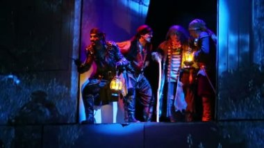 Pirates on stage during musical — Stock Video