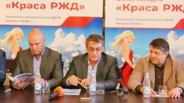 Contest jury at press conference — Stock Video