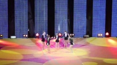 Little girls dance in Sports complex — Stock Video