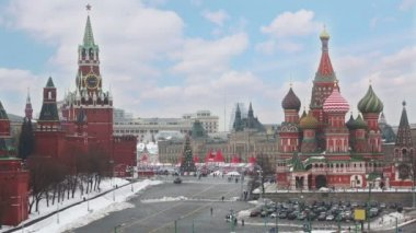 Kremlin and St Basils Cathedral in Moscow — Stock video