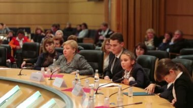 Children speak at Event Moscow — Stock Video