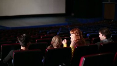 People in cinema theater — Vídeo stock