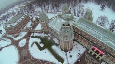 Panorama of Catherine palace in Tsaritsyno at winter — Stock Video