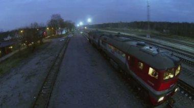Train diesel de compagnie Rzd — Vidéo