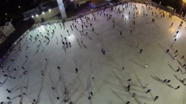 Skating on rink in recreational park — Stock Video