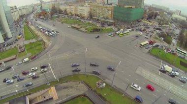 Rozcestí doprava na Preobrazhenskaya náměstí — Stock video