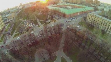 Cityscape with edifice of military commandant regiment — Stock Video